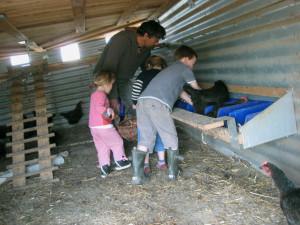 Les enfants en quête des oeufs
